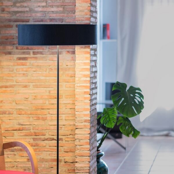 Bulb Attack Doce 1/F black floor lamp